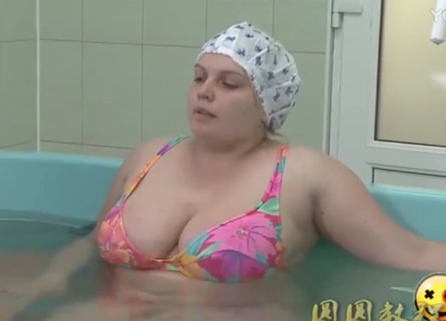 国外医生恶搞美女偷拍年轻人免费视频在线播放