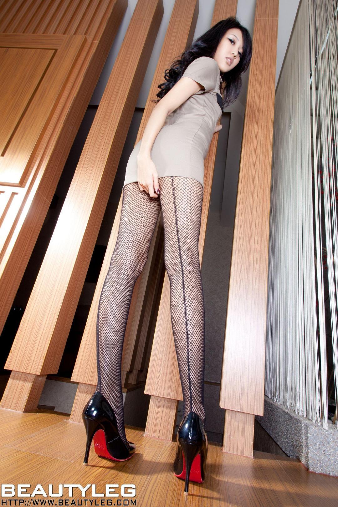 国产 另类 美腿 亚洲 无码GOGO人体大胆高清专业美女写真图库