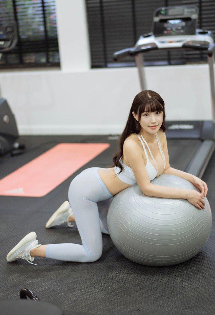 少妇美女114健身房里私拍销魂姿势图片