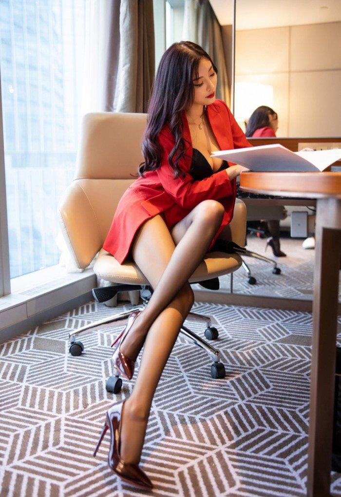 刚毕业的女大学生销魂美女私密写真集,丝袜美腿美女114高清大图