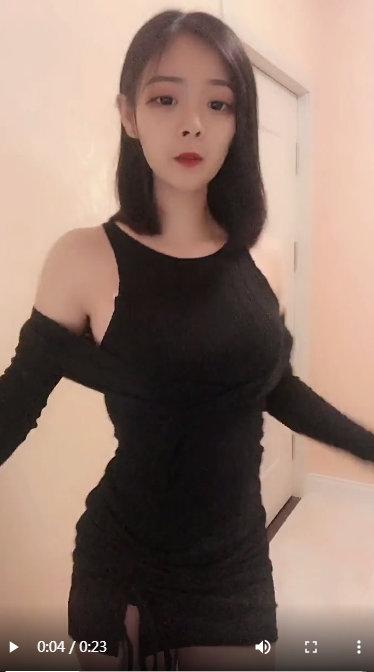 大胸mm黑色包臀裙性感福利小视频