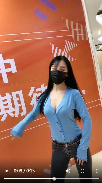 带口罩的美女大学女生激情自拍小视频