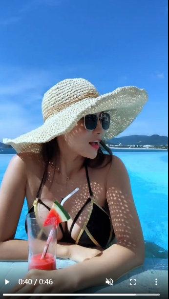 大胸国产美女精品自在线拍海边小视频_国产自拍年轻少妇美女小视频