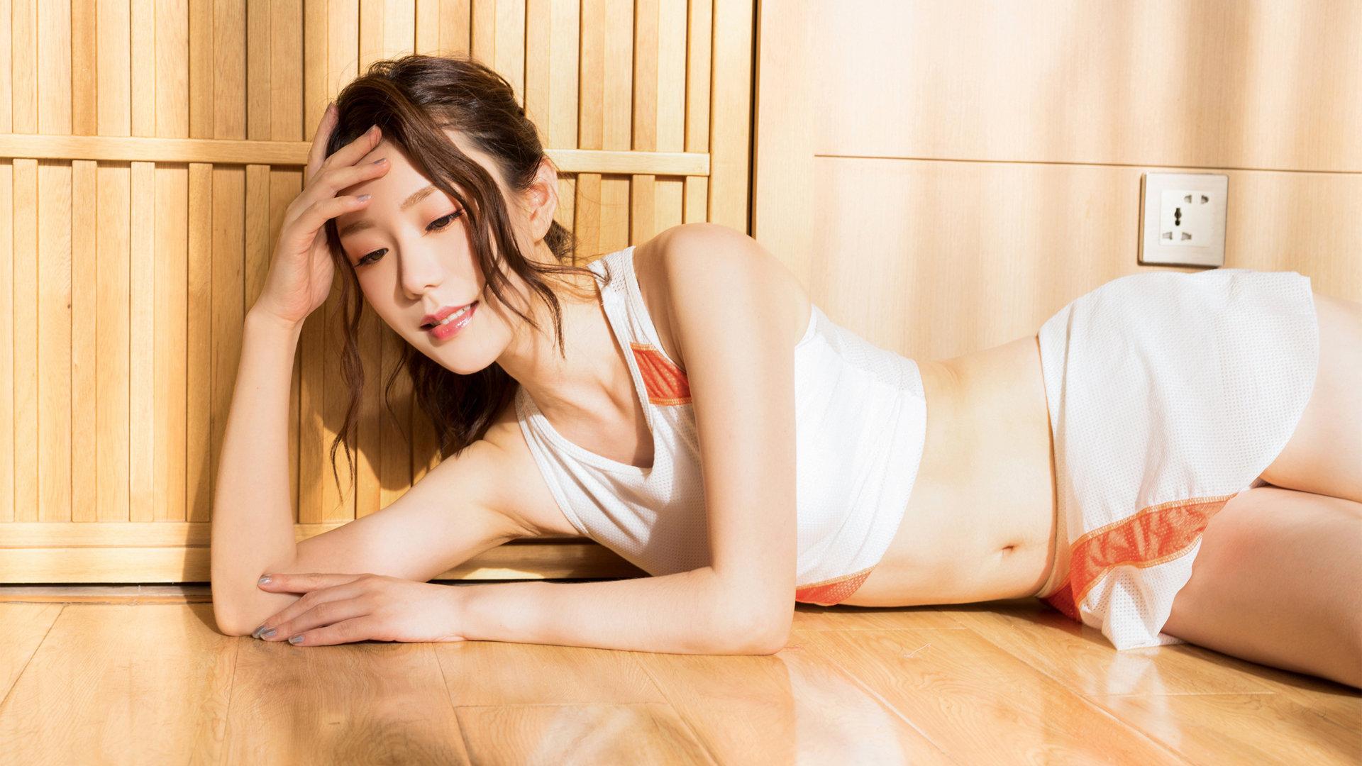 好看的高清美女壁纸_私人拍摄西西gogo高清大胆专业美女壁纸图片