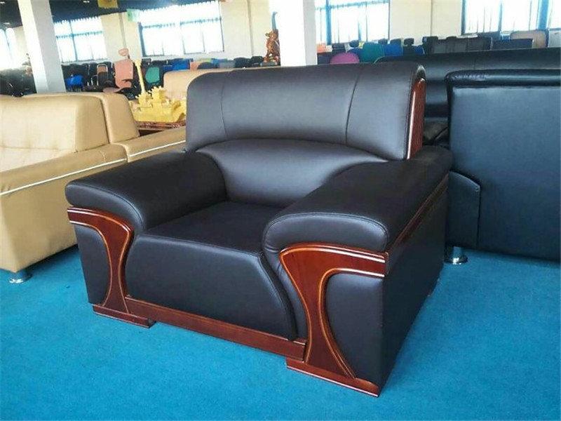沙发翻新框架维修,更换海绵,换皮换布,让你的沙发焕发新机-家具美容网
