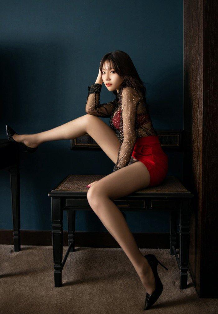 西西gogo高清大胆专业私人摄影粉嫩丝袜美腿美女131[20p]