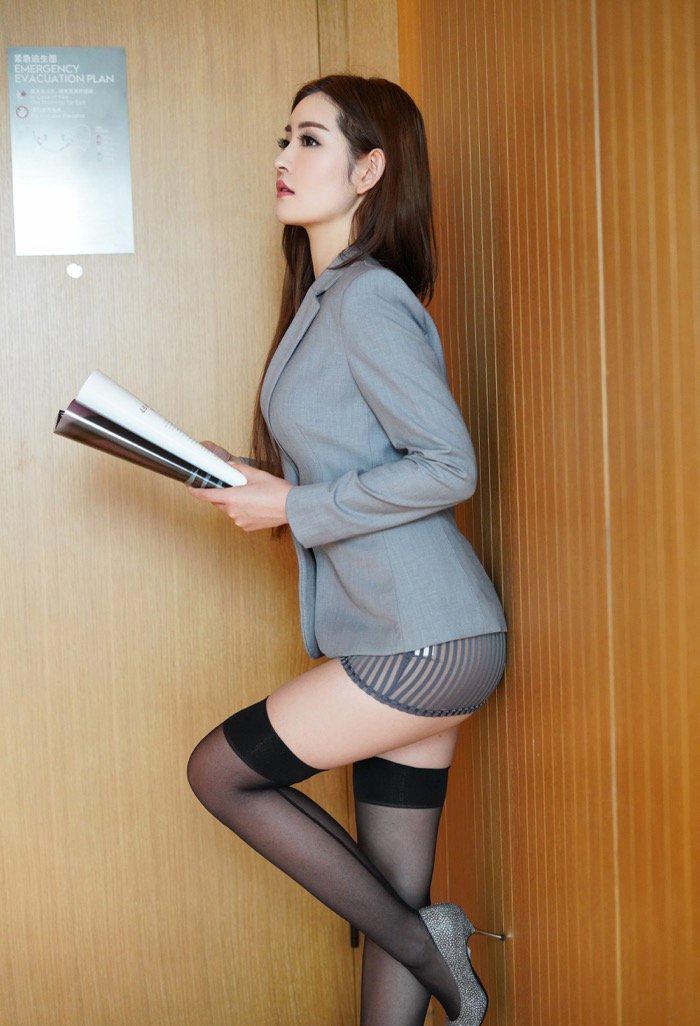 丝袜熟女性感美女透明内内私人拍摄写真集22p