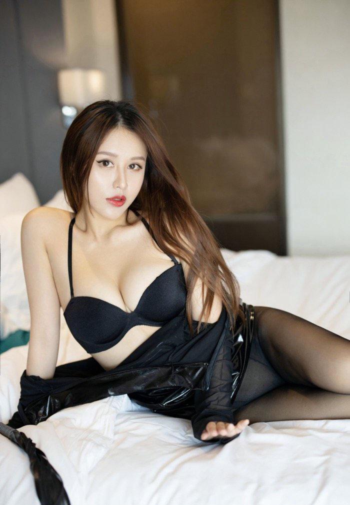 日本美体美体性感丝袜美腿美女私密写真图集13p