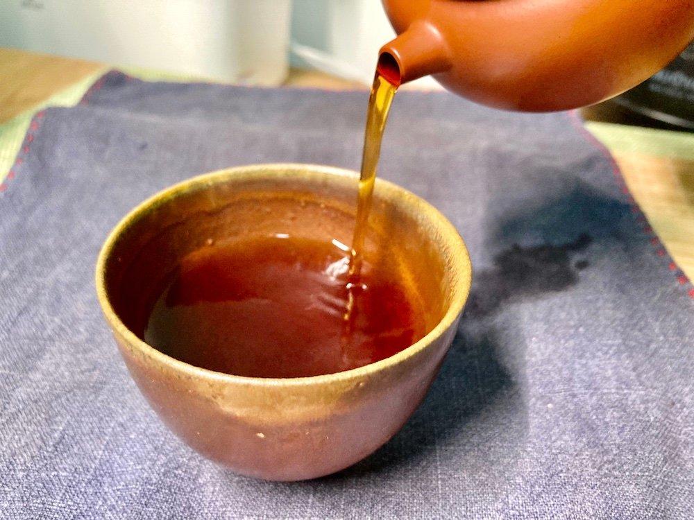 紫砂壶冲泡出汤