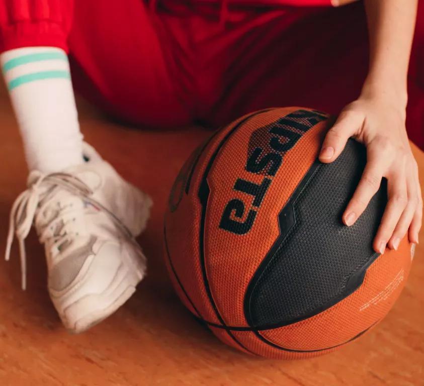 14岁选入国家队、跟腱断裂是家常便饭,我做体校生经历的别样人生
