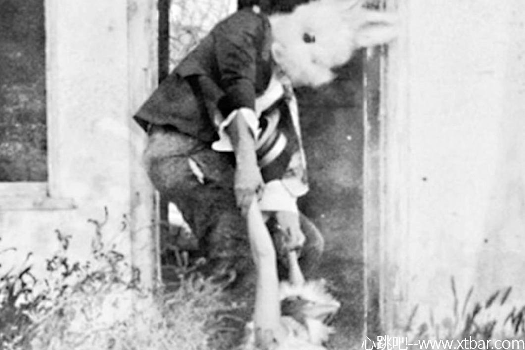 0085j6oIly1ghg9g92dldj30tg0jnac2 - [欧美都市传说]:兔子男Bunny Man,小兔子乖乖一点也不可爱