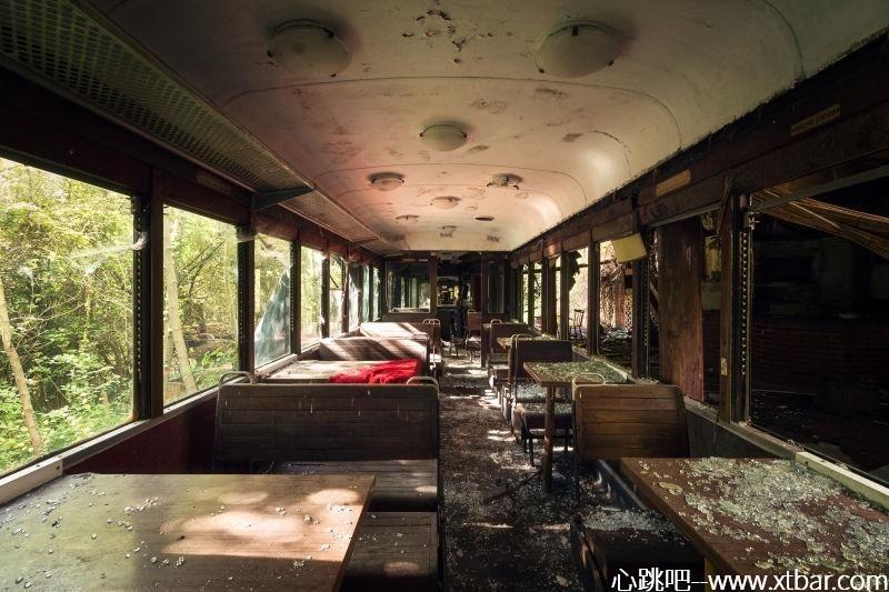0085j6oIly1gjmwd4t9h7j30m80etacp - [心跳吧恐怖故事]:消失的餐厅