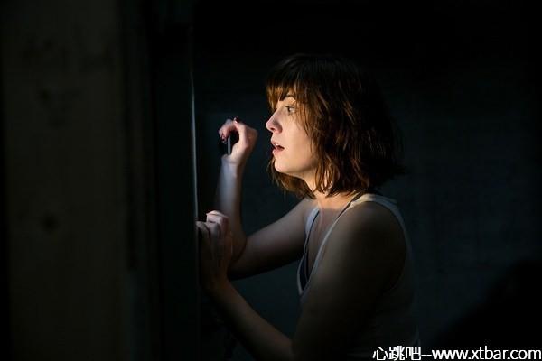 0085j6oIly1gkq7senklgj30go0b4gly - [心跳吧恐怖片推荐]:《科洛弗道10号》,来自末日的密室逃脱!