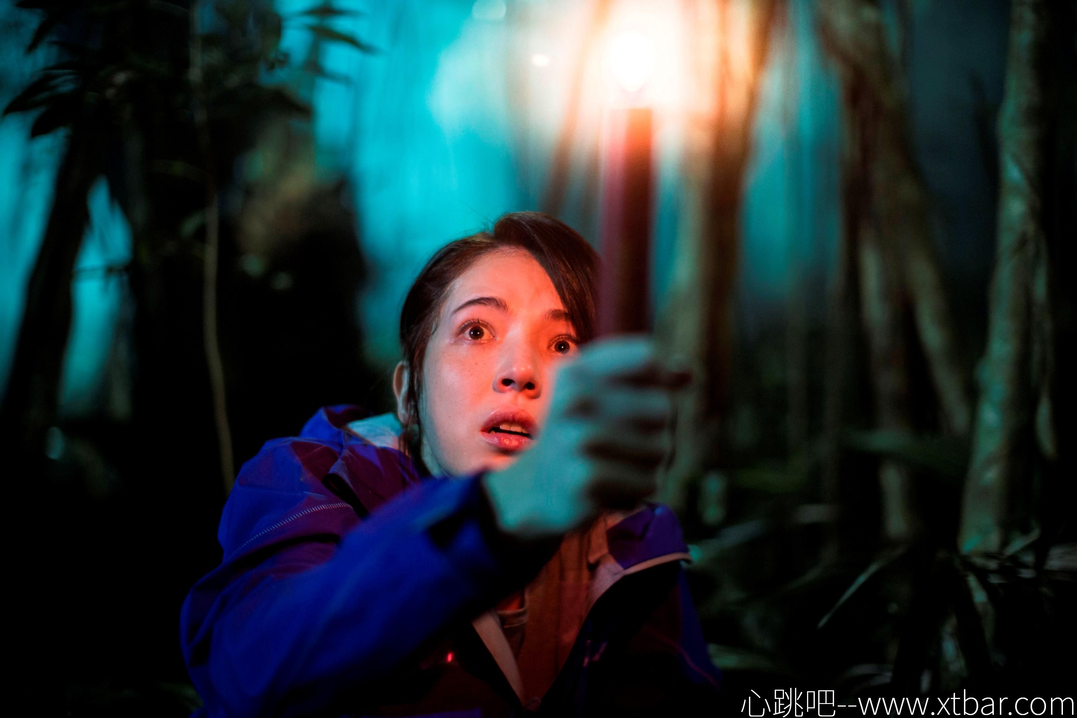 0085j6oIly1gl54zwtn9lj32ue1wakhg - [心跳吧恐怖片推荐]:《红衣小女孩》,找到内心最原始的恐惧!