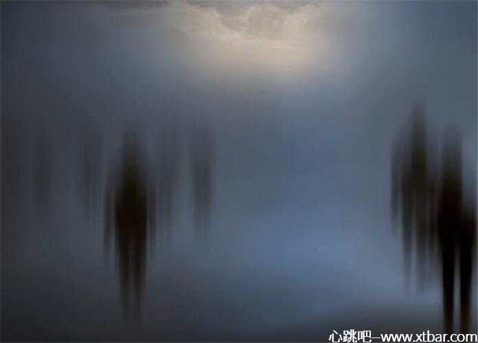 0085j6oIly1gm73ib38t0j30jc0dv3yq - [心跳吧恐怖故事]:可怕的顶楼
