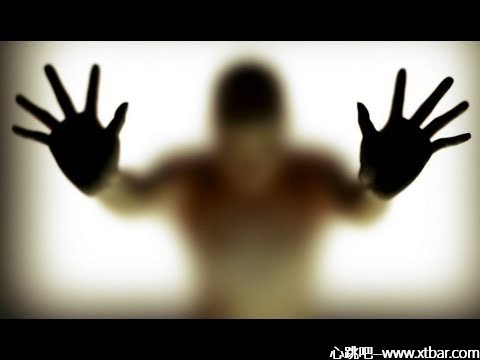 0085j6oIly1gm8bvounuhj30dc0a00sx - [心跳吧恐怖故事]:谁的手?谁敲的门?谁坐在马桶上?