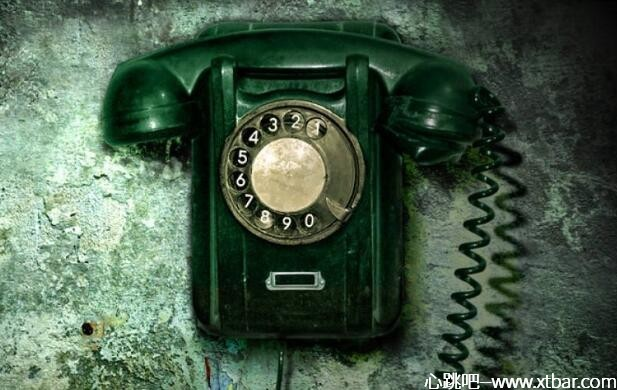 0085j6oIly1gmhojmkindj30h50aumyl - [心跳吧恐怖故事]:谁打来的电话?