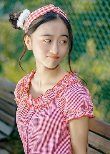 4SOE-991水中灵动妖姬 蕾丝短裙展傲人双峰