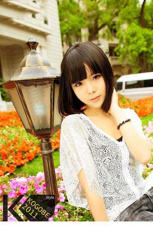 4IPZ-205可爱萌妹子少女吊带连体衣丝袜美乳性感写真