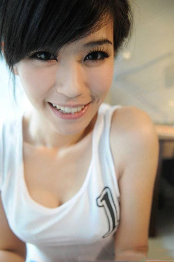 7IPZ-209韩国美女性感短裙美腿翘臀