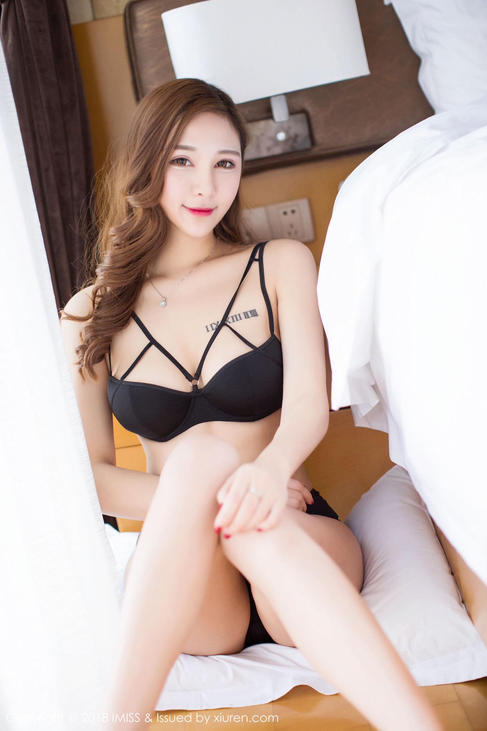 ABS-188眉清目秀美女半透纱裙撩人