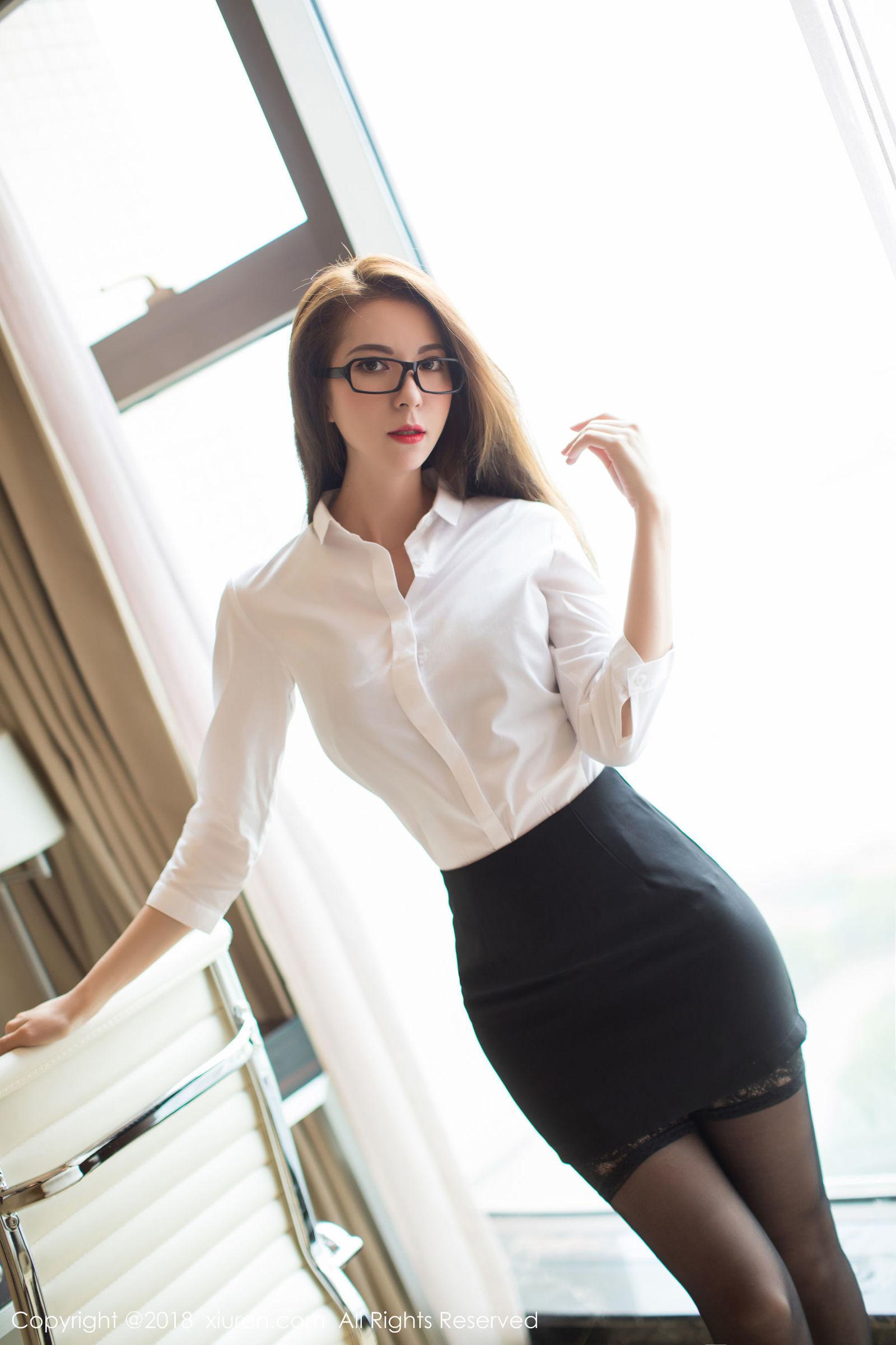 5IPT982亚洲嫩模杨晨晨情趣黑丝袜性感美臀美腿诱惑销魂美女图库