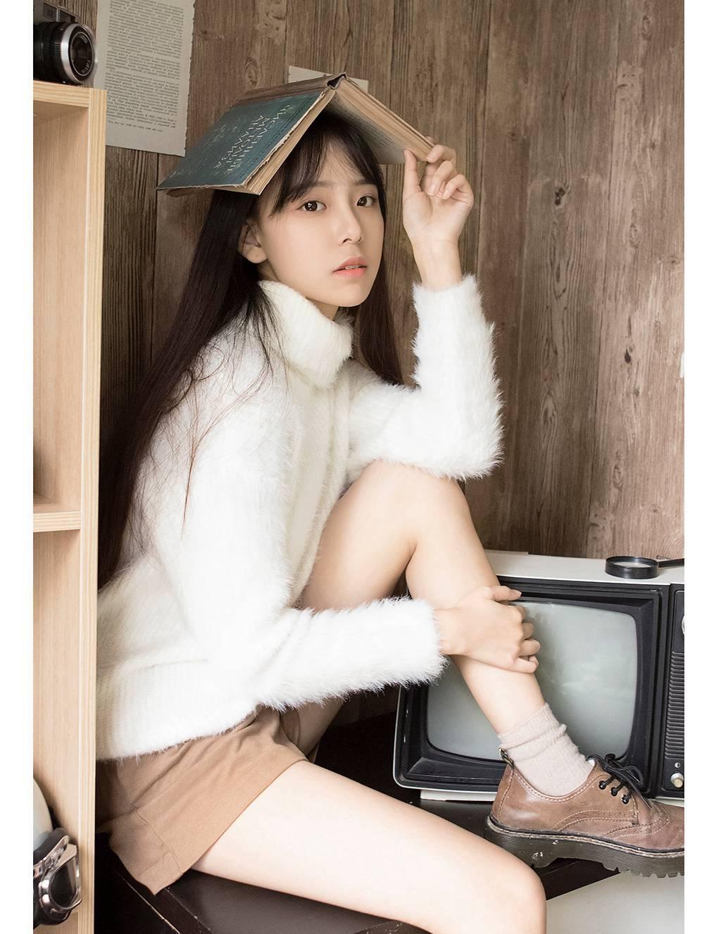 7SOAV-012韩国风妆容内衣美女