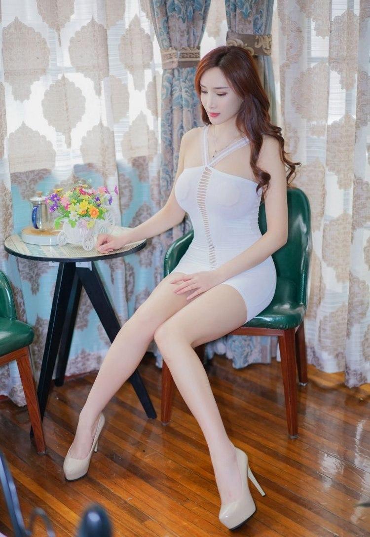 5SHK-394日本美女杉原杏璃巨乳傲人尽显熟妇风采大胸图片
