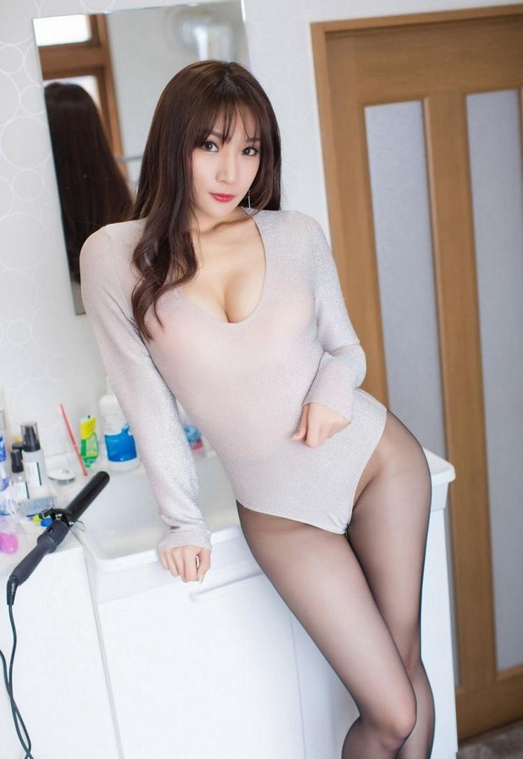 7WANZ-407透明蕾丝白裙短发美女