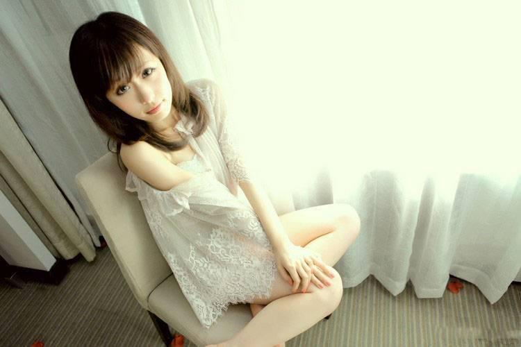4SUP-140韩国名模蓝色长裙宾馆写真