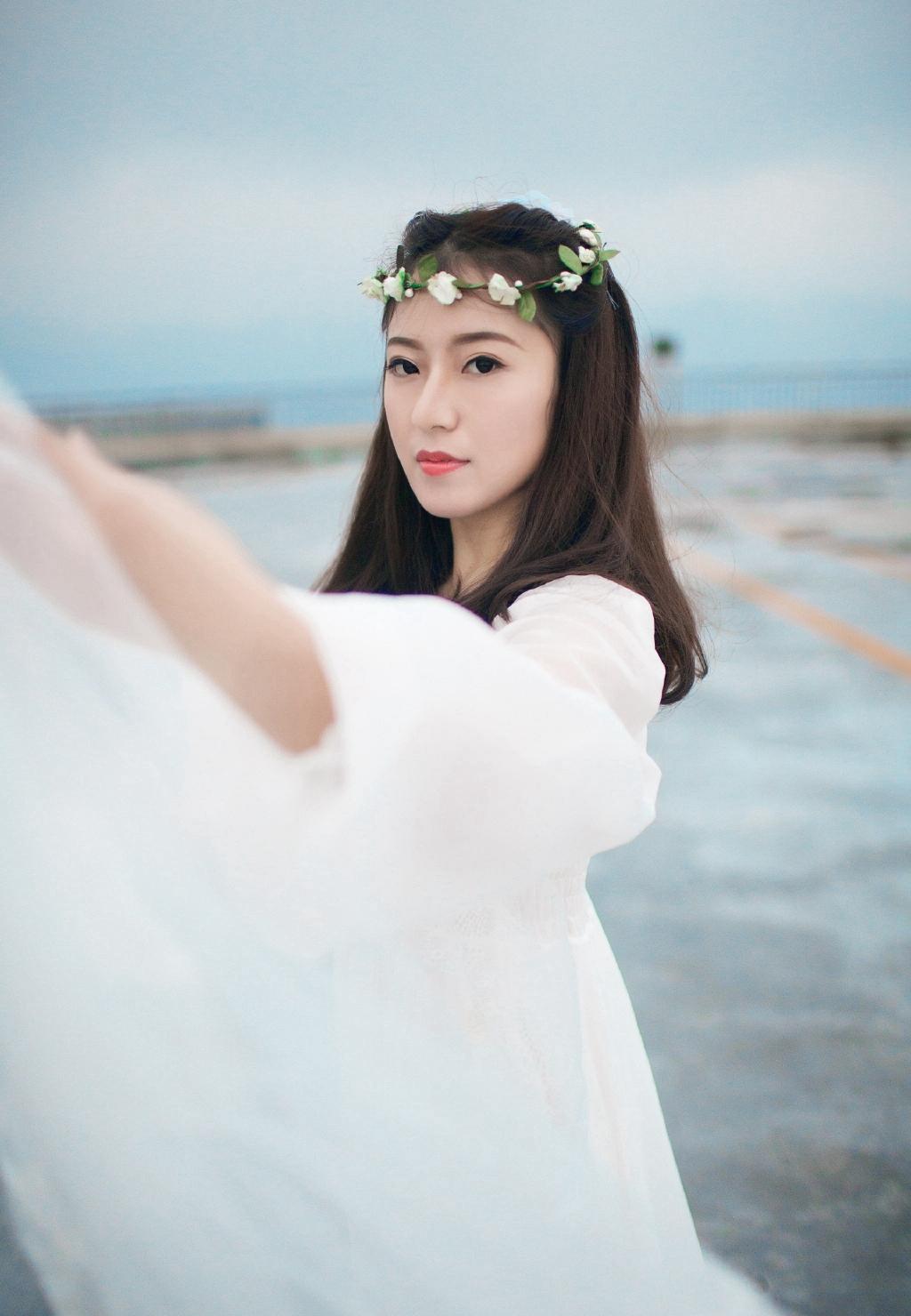 EKDV-550韩国气质美女贵妇修身长裙写真