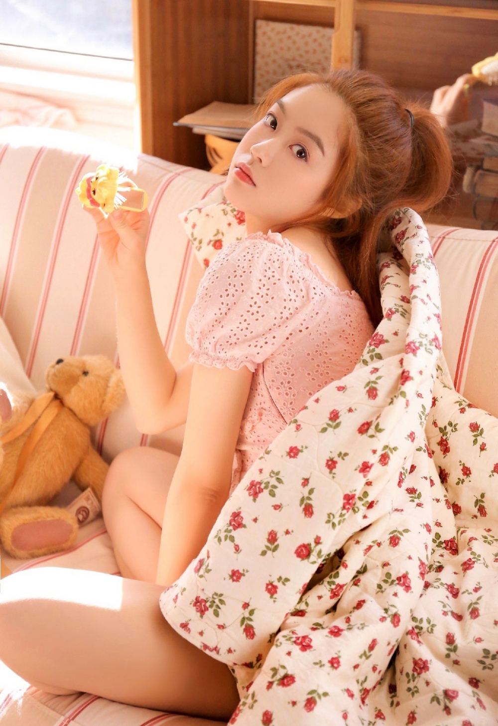 IDBD-358韩国高挑长腿高跟鞋美女秘书