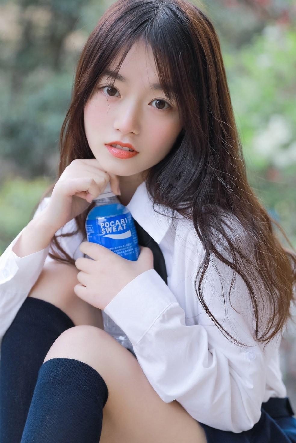 5MIDE-217大胸短发美女少妇低胸长裙写真