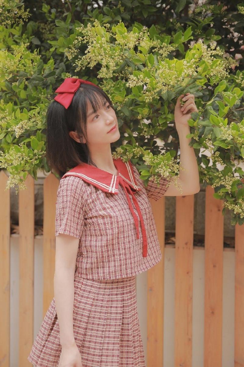 IPZ-302低胸短裙美女户外写真