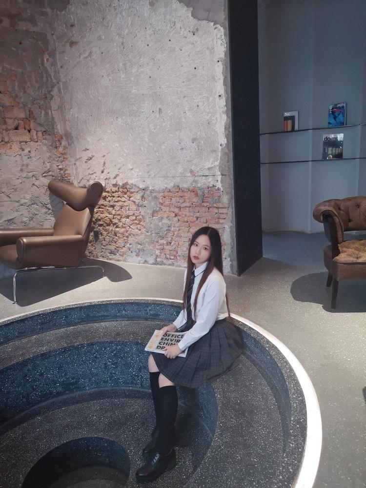 EK-203韩国美女秘书职场写真