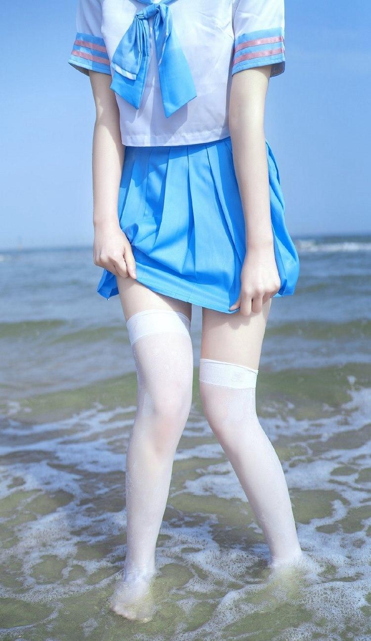 ELO-077长短发大胸美女内裤户外写真