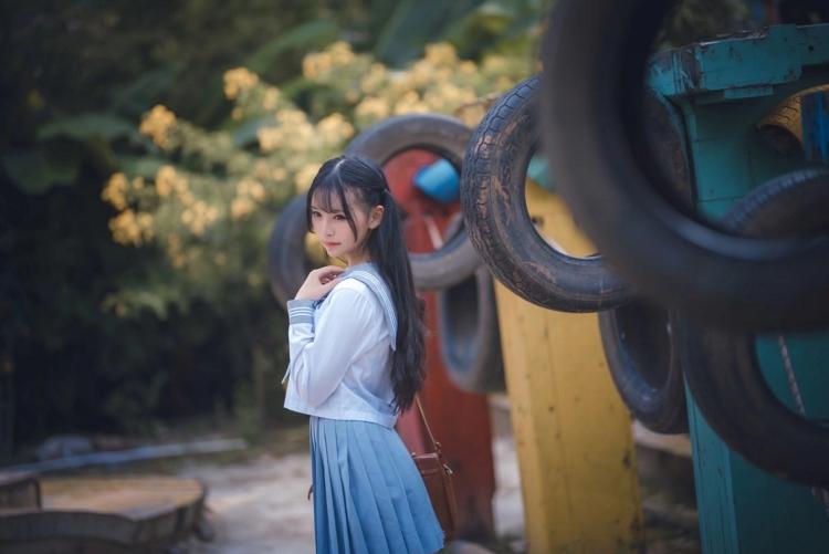 ABP-226酷似秦海璐的修身针织裙好身材美女户外写真