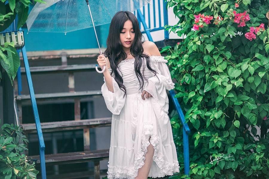 KBI-007日本鹅蛋脸女优低胸公主裙写真