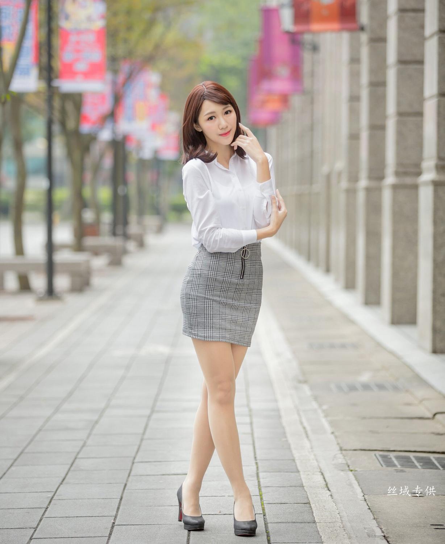 5SOE-174极品长卷发美胸美女诱惑写