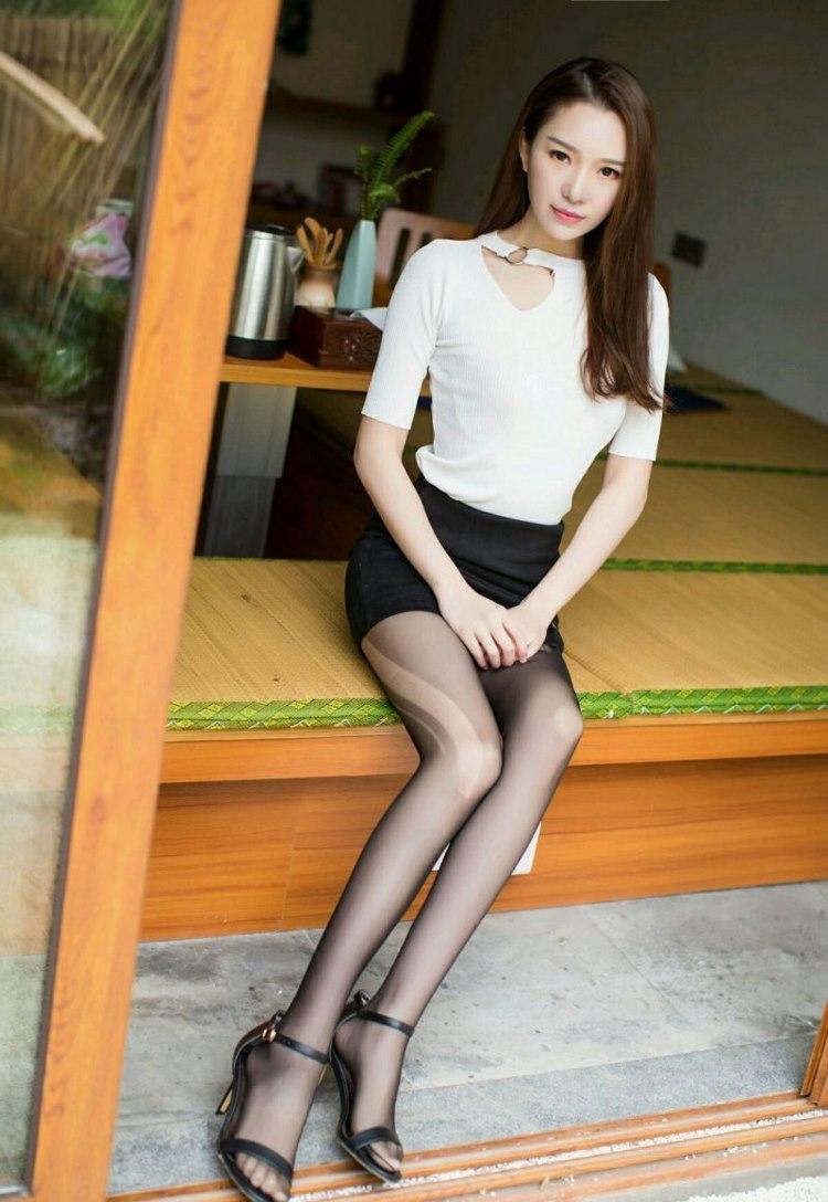MIDE-597性感妹子低胸超短丝袜花白大腿