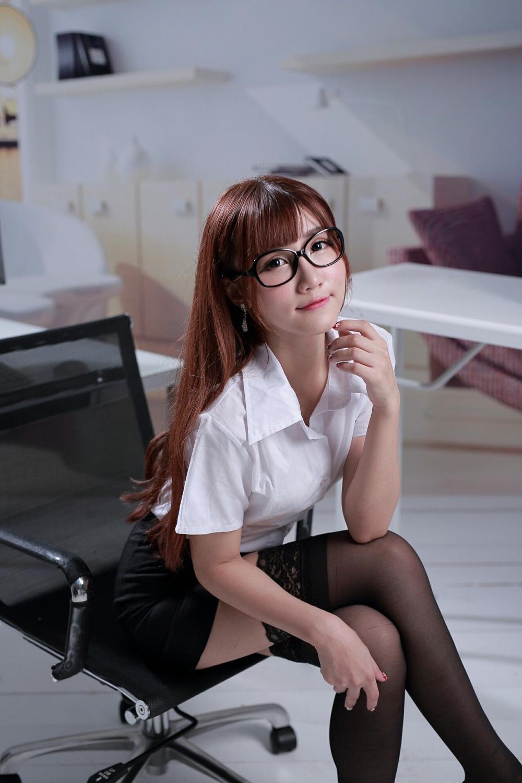 7WANZ-369马尾辫泳装美女秀大胸脯