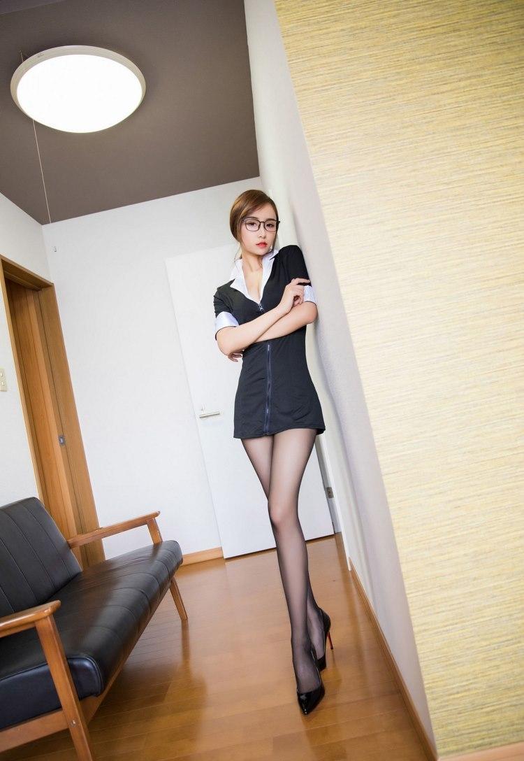 IPZ-994性感短发美女酒店内私房照
