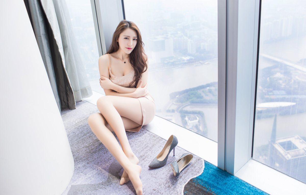 MRJJ-009紧身裤大眼漂亮美女