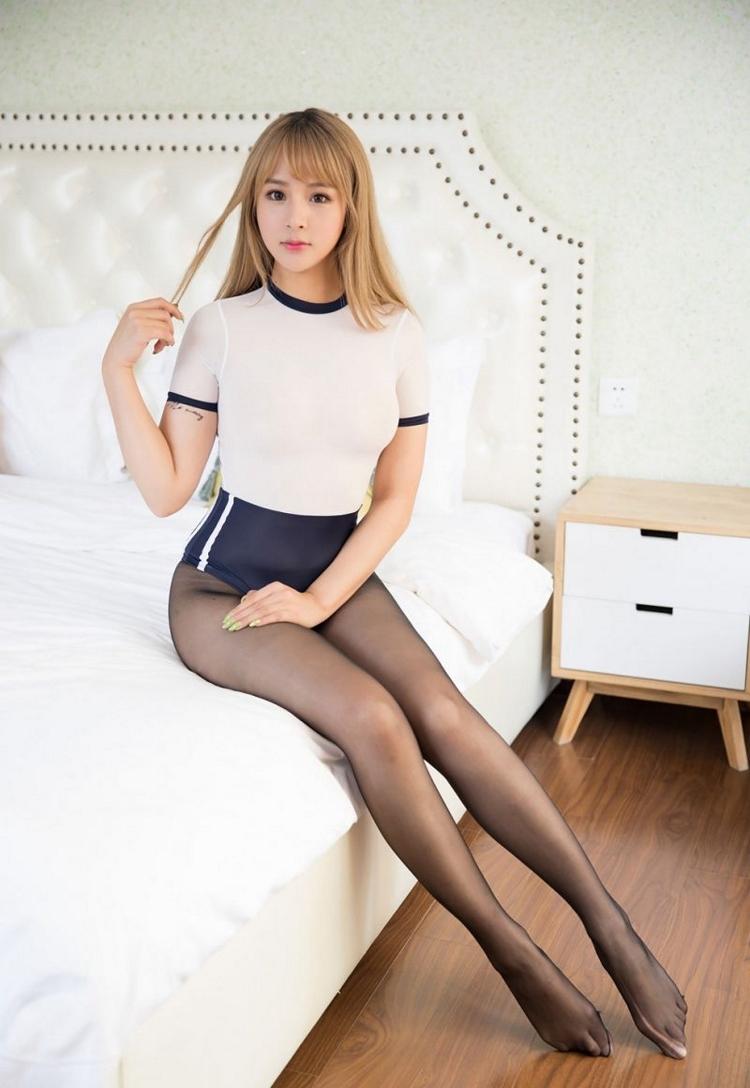 HRMA-00042游戏美女超短裙秀美腿