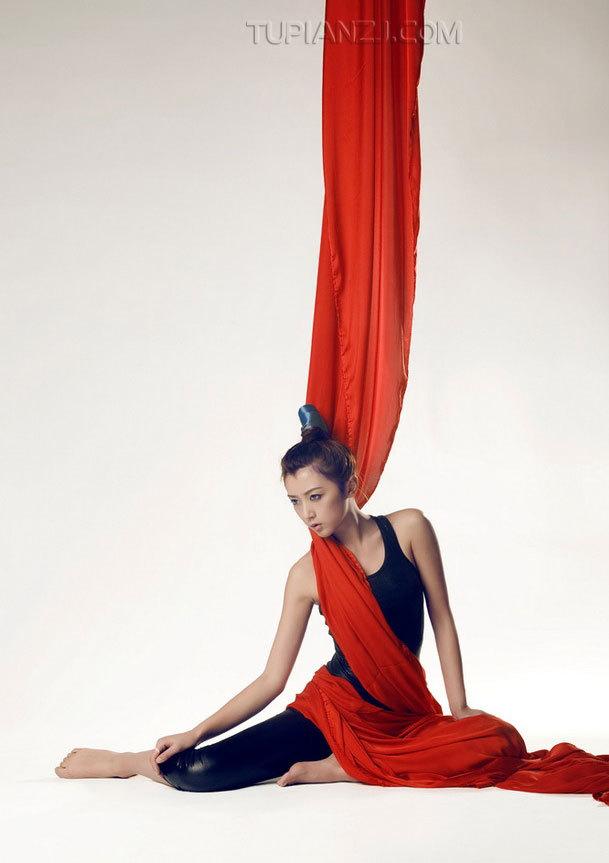 DIY-038韩国酥胸美女高跟鞋职业装写真