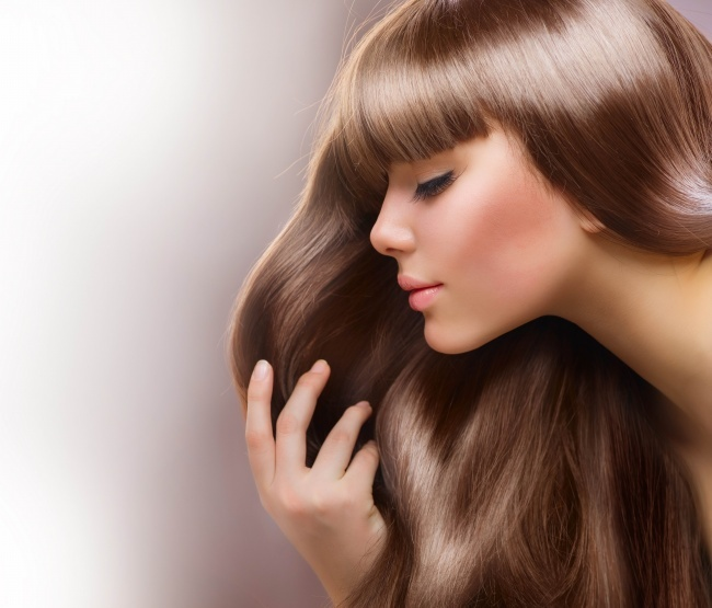 阳光下清丽动人的金发尤物眉清目秀漂亮人体艺术嫩模
