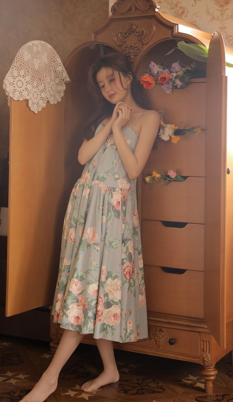 MMTA-006性感挺拔胸部泳装美女