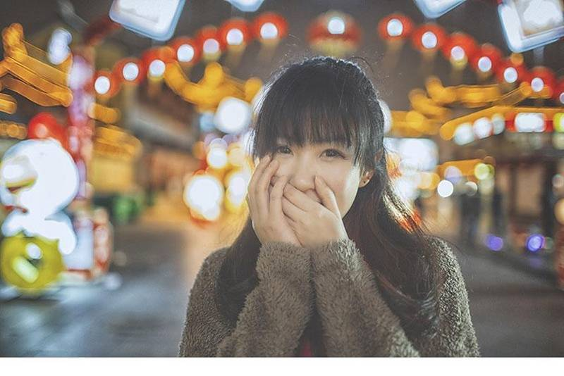 CAWD-090双马尾童颜爆乳美少女蓝白条纹丝袜性感福利写真