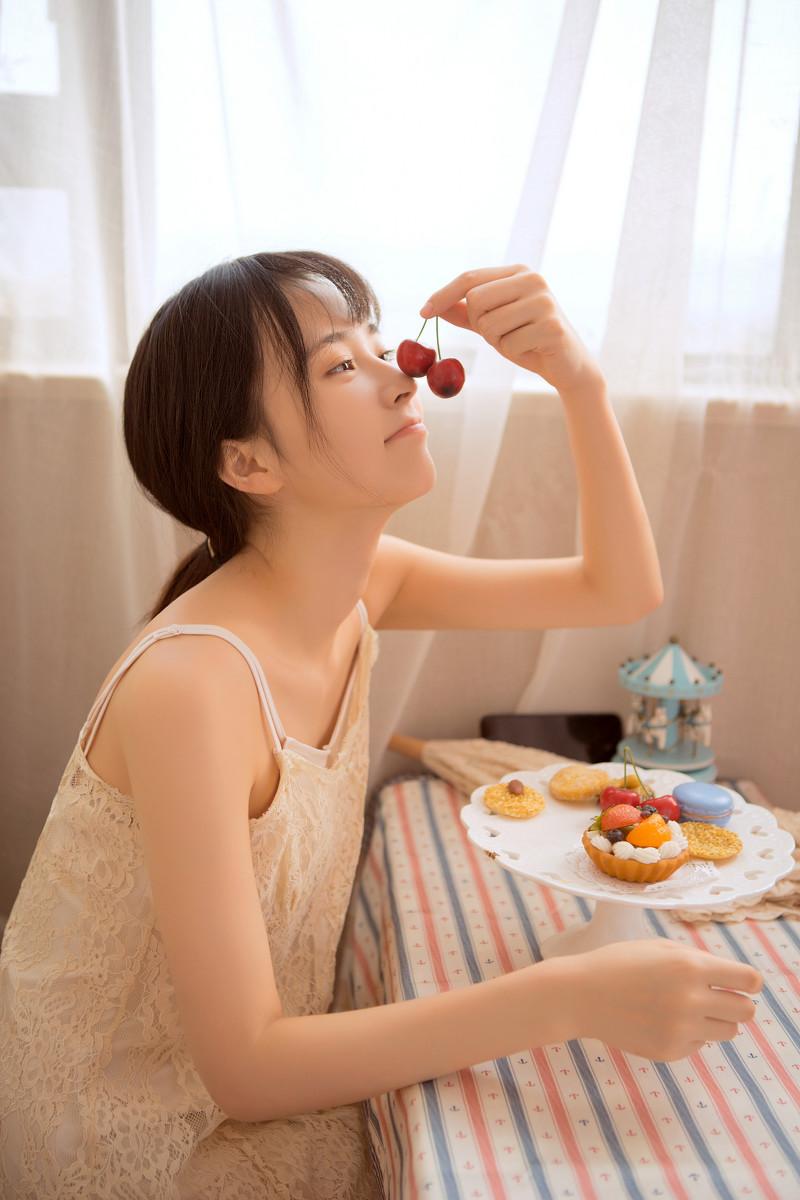 HMPD-10022温柔淑雅贤惠美女御姐包臀半透黑丝袜制服诱惑写真