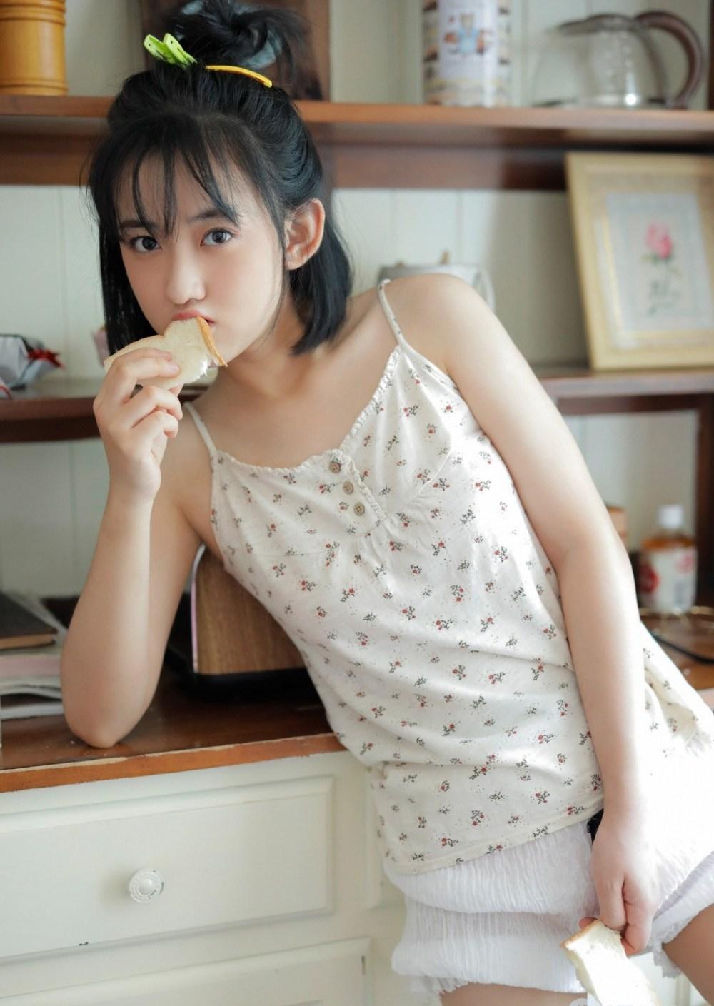 MARA-019美女御姐连体衣肥臀火爆身材性感性感美女图片